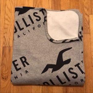 Hollister blanket- gray